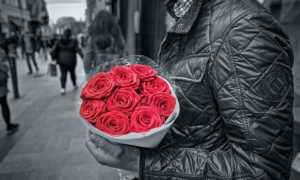 Что сказать девушке когда даришь цветы